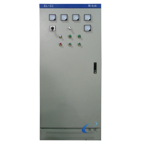 特点: 1、降低电机启动电流,降低配电容量,避免增容投资。 2、降低启动机械应力,延长电动机及相关设备的使用寿命。 3、灵活控制启动电流和转矩,启动参数可视负载调整,以达到最佳启动效果。 4、多种启动模式及保护功能,易于改善工艺,保护设备。 5、高度集成的Intel微处理器控制系统,性能可靠。 6、大电流无触点交流开关无级调压,调节范围宽,过载能力强。 7、产品可作频繁或不频繁启动,且频繁启/停,无机械损坏现象。 8、适应启动的各种变化,增加了应用的灵活性,具有软停止控制和制动控制,延长电机寿命。 使用